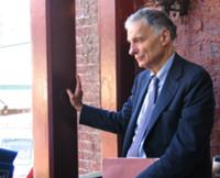 Ralph Nader Takes Questions .