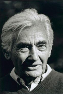 Howard Zinn Voting for Nader .